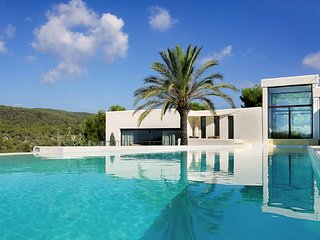 Luxury villa with pool and gorgeous views, Sant Josep