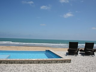 Luxury Beachfront condo - Villa Nautica ***FREE WIFI***