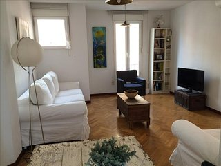 Reina Sofia II apartment in Lavapies with WiFi, air conditioning, private terrac