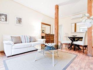 Spacious Latina V apartment in La Latina with WiFi, airconditioning, balkon