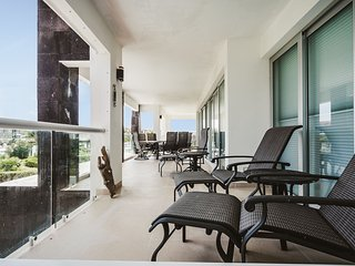 Oceanview 3 Bedroom Beachside Condo - Devoto, Playa del Carmen