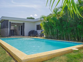 New villa, 100% privacy, close to the entrance of Casa Linda. Enjoy and relax in this villa with hedges that will give you full privacy, a big kitchen area and outside area to sit down by the pool and do your BBQ. Safes, A/C and Television in both bedroom, Cabarete