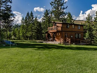 Ski in / ski out of this quiet wilderness home on 42 acres near Salmon Creek!, Conconully