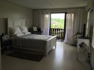 BNew 49 sq mtr Crosswinds GQ3  Corner Studio Unit, Tagaytay