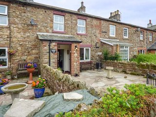 CROSS FELL VIEW, mid-terrace, woodburner, enclosed patios, WiFi