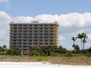 The Charter Club of Marco Beach, Marco Island