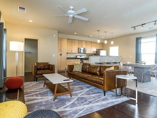 Downtown WOW Condo, Austin