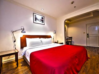 The Victory Executive Residences - Deluxe Room