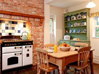 NFL73 Cottage in Lymington, Highcliffe