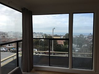 2BR: Beautiful Ocean View, Modern Design, Wired, San Francisco