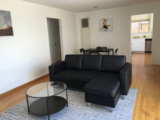 2BR: Modern Design, Fully Wired, Walk 1min to UCSF, São Francisco