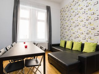 5ROOM 15BED 2.5BATH ★FREE BREAKFAST★STAG★HEN★PUB-CRAWL OLDTOWN