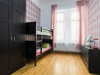 5BEDROOM APARTMENTS OLDTOWN ★FREE PUB-CRAWL, Budapest