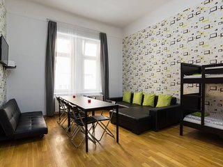 5BEDROOM APARTMENTS OLDTOWN ★FREE PUB-CRAWL, Budapeste