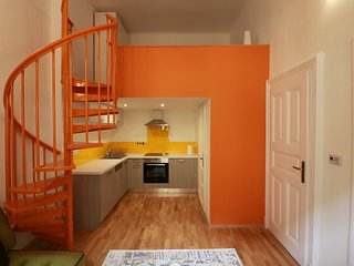 The Orange Studio - Cool Pads in Budapest