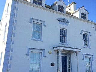 NEW! Seashutters, Portrush: amazing sea views!