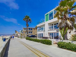 **New Vacation Rental Property** Second Floor Ocean Front Condo, San Diego