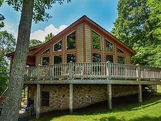 Lavish 5 Bedroom Ski In/ Ski Out home with all the amenities!