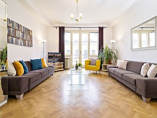 KUNDERA -3 BR 4 minutes walk from Wenceslas Square, Praga