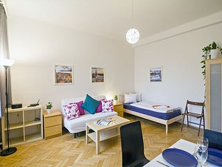 MOLDAU - 2BR apt, 10 min walk from Old Town Square