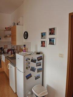 Kitchen - 4 ring hob, full oven, 2 fridges, kettle, toaster