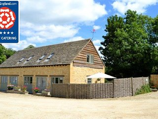 Luxury Cotswolds Cottage near Cheltenham, Shipton Oliffe