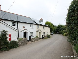 Syms Cottage, Cutcombe - Characterful and cosy cottage sleeping up to 4 on Exmoor, Wheddon Cross