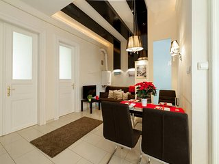 Luxury 3Bedroom flat, with A/C and sauna, Budapest
