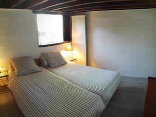 Schlafzimmer 1 mit angrenzendem Hauptbad