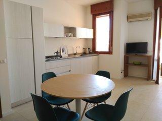 Bellaria centro, zona pedonale, ampio terrazzo, Bellaria-Igea Marina