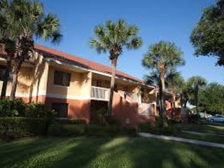 2 Bed 2 Ba Vacation Villa Delx - 5 min to Disney, Kissimmee
