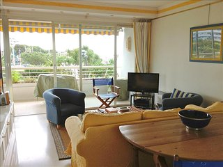 Nice flat with terrace, pool, parking - 100m beach, Villeneuve-Loubet