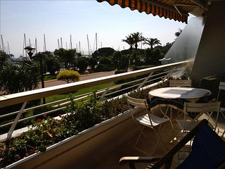 Nice flat with terrace, pool, parking - 100m beach