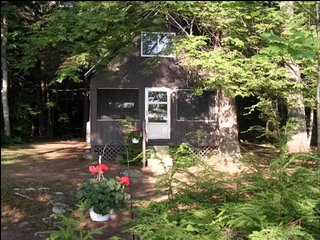 PRIVATE Maine Lakefront Cottage, Private Boat Dock, Norridgewock