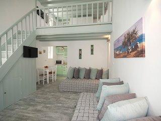 Anna's House, Mykonos Town