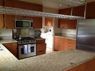 Elegant Fully Furnished 2 Bedroom Home, Los Altos Hills