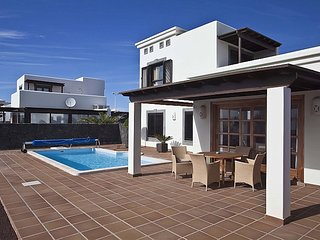 Casa Leila - A brand new luxury villa in Faro Park, Playa Blanca