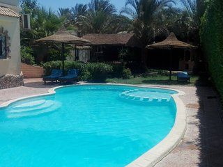 villa with big praivte sweampool and big garden, Hurghada