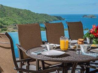 Luxury Ocean View 5 Bd con Bkft Incl, Playa Hermosa