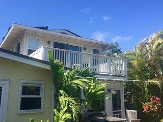 Open Air Loft, Steps from beach, Kailua
