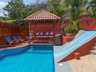 Casa Mirador - Pool w/ Water Slide & Swim up Bar, Parque Nacional Manuel Antonio