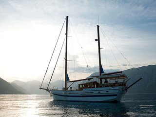 Dream Island Yacht, day trips, hotel, rooms