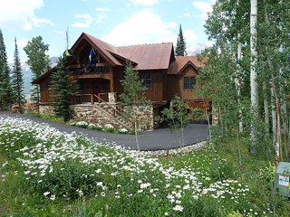 EUREKA! LUXURIOUS HOME,GREAT L0CATION,SKI ACCESS