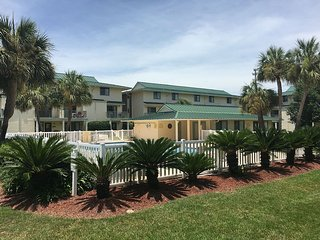 Paradise!! 1 block from the beach, Just Reduced, Destin
