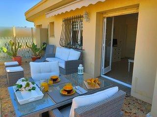 Ashley&Parker -MAISON PATRIZIA TERRASSE- Topfloor apartment with large terrace, Nice