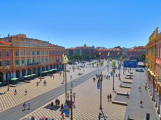 Ashley&Parker-MASSENA PLAZA-On the most famous place of Nice with stunning view, Niza