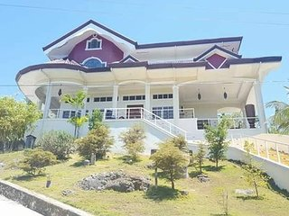 Ricardita Manor, A Large Home with Swimming Pool, Dalaguete
