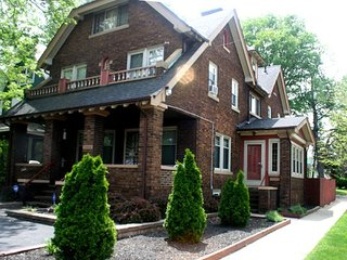 Corporate Housing Short- Term - 2 BDRM, Cleveland