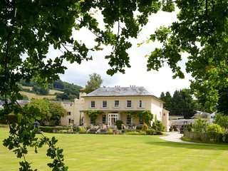 42904 House in Crickhowell, Llansantffraed
