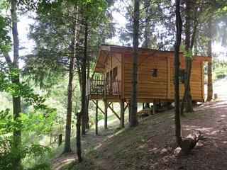 Cabane sur Pilotis. 4 mètres. Drôme des Collines, Saint-Donat-sur-l'Herbasse